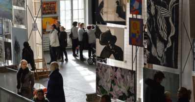 Taidemaalariliitto täyttää Merikaapelihallin maalaustaiteella – lähes 1700 teosta yli 600 taiteilijalta