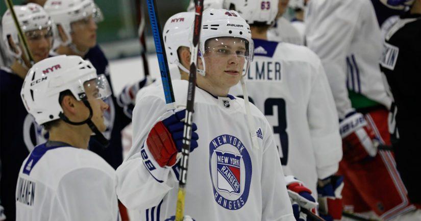 Kaapo Kakko taituroi tällä kaudella New York Rangersin organisaatiossa.