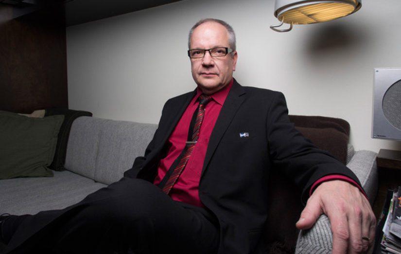 Talousvaliokunnan puheenjohtaja Kaj Turunen on vastustanut tiukasti hallintarekisteriä, mutta puoliväliriihessä mieli muuttui.