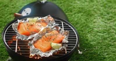 Kesähelteellä valmistuu terveellinen ja kevyt kala grillissä – näillä vinkeillä onnistut!