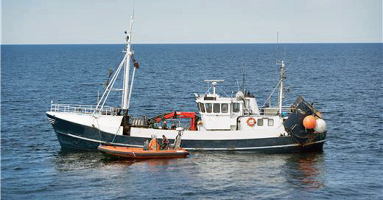 Lohenkalastuksen tehovalvonta toteutettiin Rajavartiolaitoksen pinta- ja ilma-aluskalustolla.