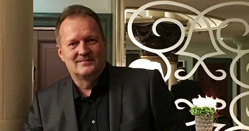 Päätoimittaja ja tietokirjailija Kari Kallonen on työskennellyt suomalaisessa mediakentässä jo yli 30 vuoden ajan.