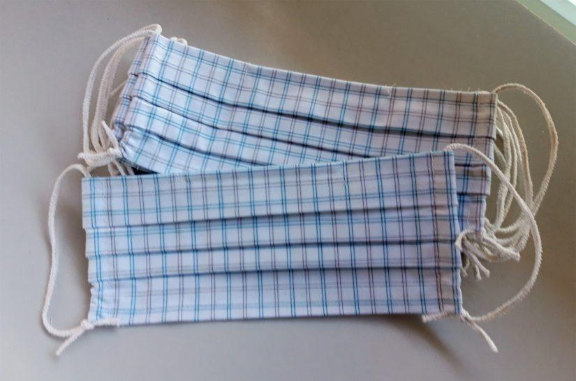 Kalajoella tehtäviä kangasmaskeja valmistetaan myös yritysten kautta yksityisten käyttöön.