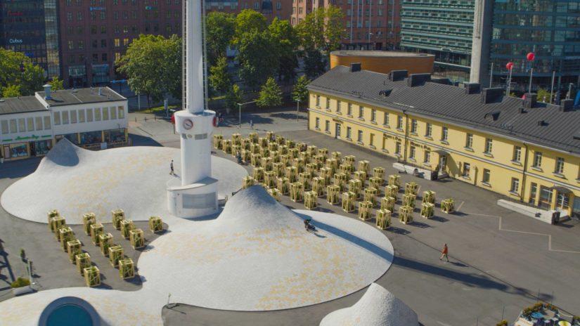 Keidas-installaatio sijaitsee Amos Rexin aukiolla.