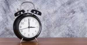 Kesäaikaan siirrytään ensi yönä – kellon viisareita käännetään eteenpäin aamuyöllä kello kolme