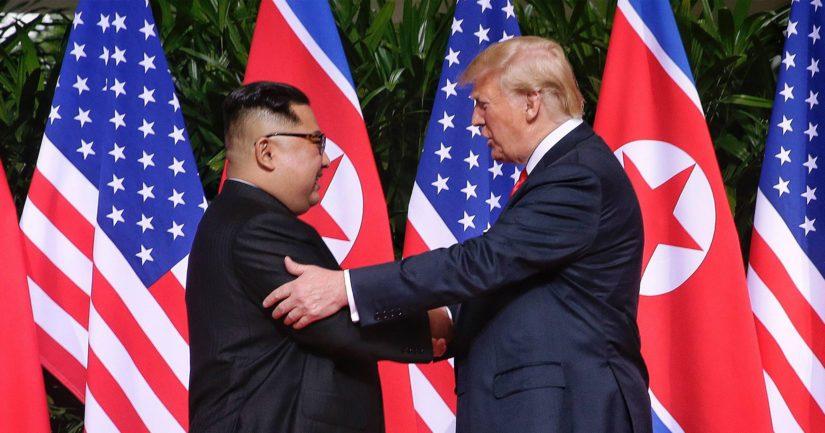 Kim Jong-un ja Donald Trump totesivat huippukokouksen tuloksen olevan historiallinen.