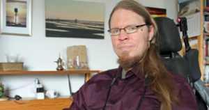 Kimmo rikkoo rajoja kotikaupunkinsa pyörätuolikuvaajana –