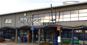 Kittilän lentokentällä poikkeuksellinen kuolemantapaus – lentokoneen ulko-ovi surmasi kapteenin