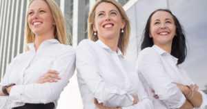 """Naisia on nyt ennätysmäärä pörssiyhtiöiden toimitusjohtajina – """"Määrä on edelleen pieni"""""""