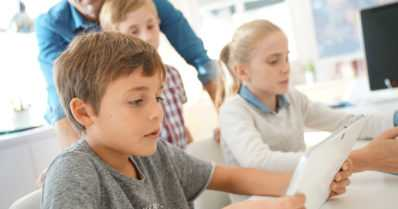 Tutkimus paljastaa – jos vanhempi kokee oireita sisäilmasta, hän usein raportoi myös lapsensa oireilevan koulun sisäilmasta