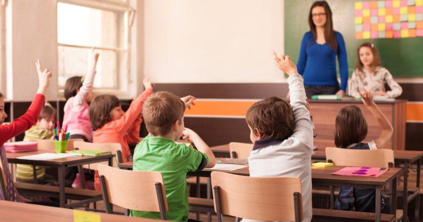 Tutkimuksen mukaan koulukaan ei tasoita lasten erilaisia perhelähtökohtia.