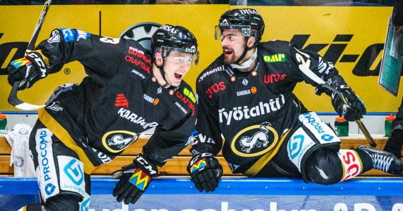 Kärppien ratkaisijaksi nousi Kristian Vesalainen, joka huudatti toisessa erässä täpötäyttä kotiyleisöä playoffsien neljännellä maalillaan.