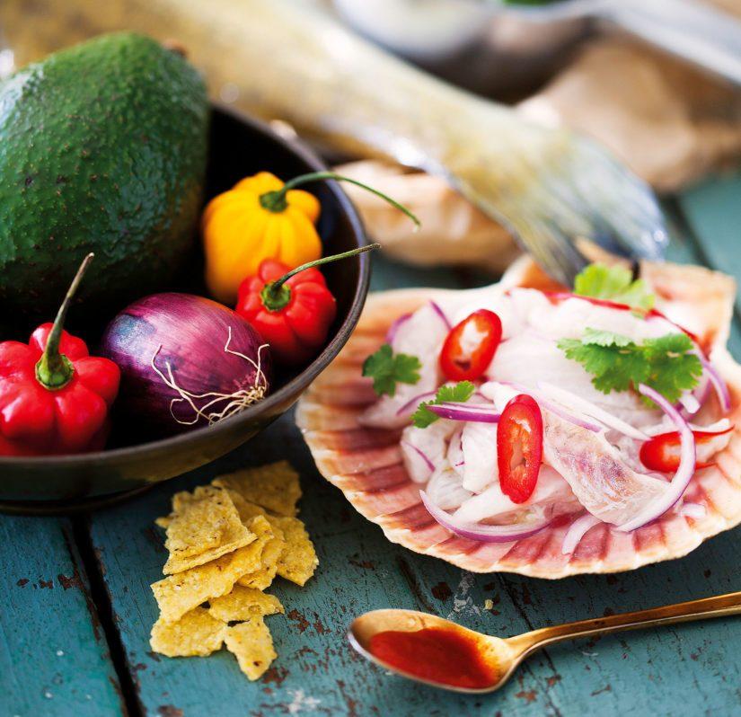 Cevicheen voi käyttää myös lohikaloja, siikaa sekä katkarapuja ja kampasimpukoita.