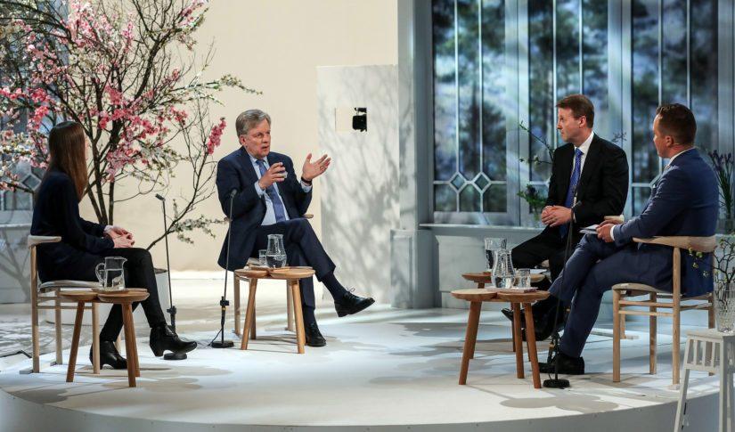 Keskustelemassa Nokian ja F-Securen hallitusten puheenjohtaja Risto Siilasmaa, entinen pääministeri Esko Aho ja Nordic West Officen johtava asiantuntija Anu Partanen.