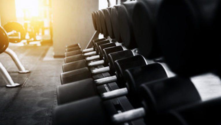 Voimaharjoitteluun uusi suositus – laske alas suurempi kuorma kuin nostat