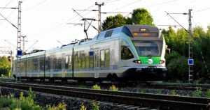 Alaikäiset nuoret häiriköivät junassa – koko junavuoro jouduttiin perumaan