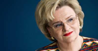 Professori Laila Hirvisaari on poissa – suosittu kirjailija menehtyi kotonaan 83-vuotiaana