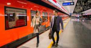 Länsimetron avaaminen toi piikin matkustajamääriin – kuljettajilta puuttuu kuitenkin vessa ja ilmastointi