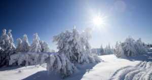 Otsonikato Suomen yllä jatkuu – herkkäihoisten on syytä suojautua liialliselta paisteelta