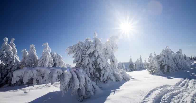 Jouluaatto on enimmäkseen poutainen, mutta lumisateiden mahdollisuus kasvaa iltaa ja jouluyötä kohden etenkin Lapissa.