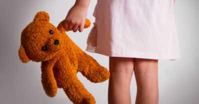 Äiti syytti isää perättömästi lapsen hyväksikäytöstä – kumpi tuomio on oikein?