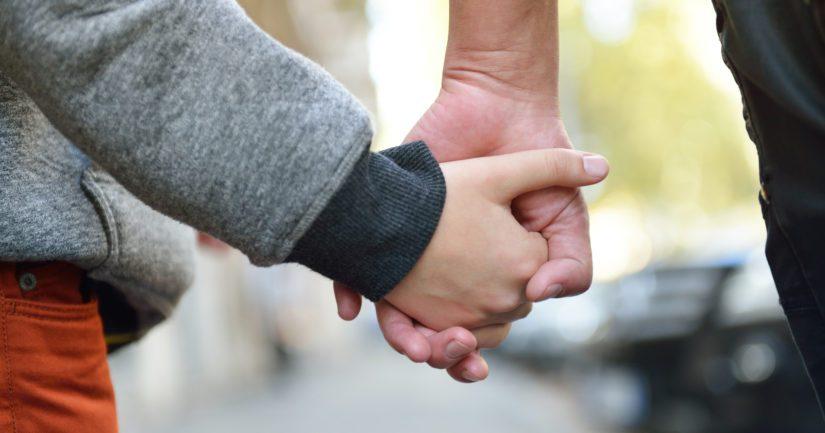 Tutkimukseen osallistui suomalaisperheitä, joiden perheenjäsenen kehitysviiveen syy oli jäänyt epäselväksi.