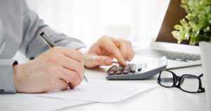 Prosentit eivät palkansaajalla ratkaise – vaan käteen jäävä raha