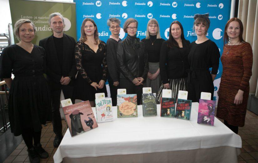 Kuusi teosta tekijöineen kilpailee tämän vuoden lasten- ja nuortenkirjallisuuden Finlandia-palkinnosta.
