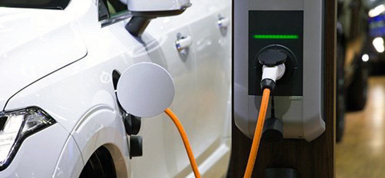 Taloyhtiöiden aikeet sähköautojen latauspisteiden toteuttamiseen yleistyvät.