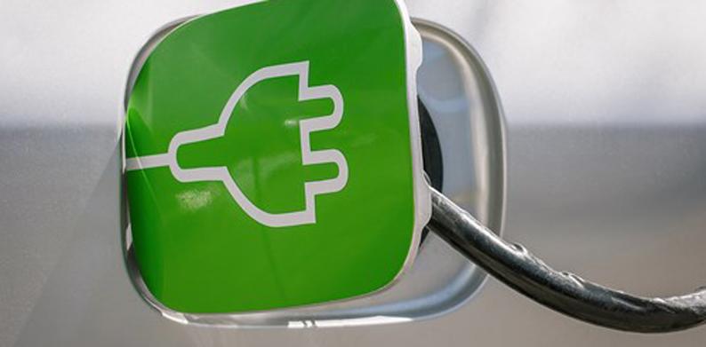 Kaikissa älykylän taloissa olisi sähköautojen latausmahdollisuus.