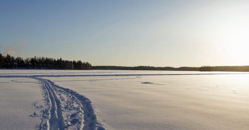 Kylätapahtumaan sidottu hiihtokilpailu oli liikaa muutamille, hiljattain kylälle muuttaneille perheenäideille.