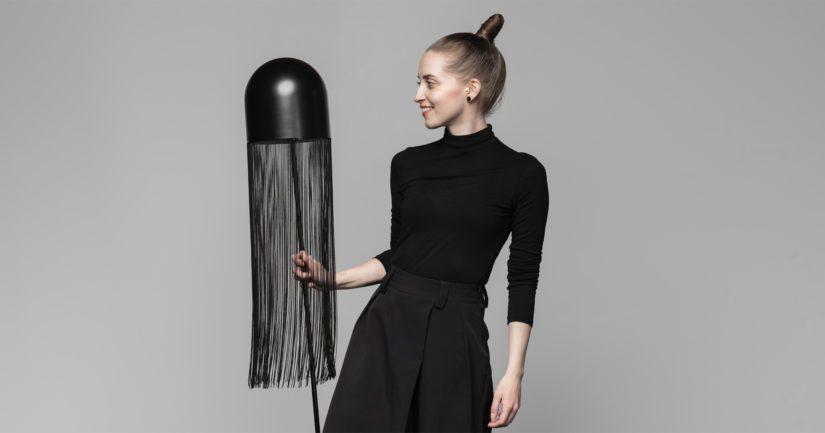 Laura Väre on juuri valmistunut taiteen maisteriksi Aalto-yliopiston kalustesuunnittelun koulutusohjelmasta.