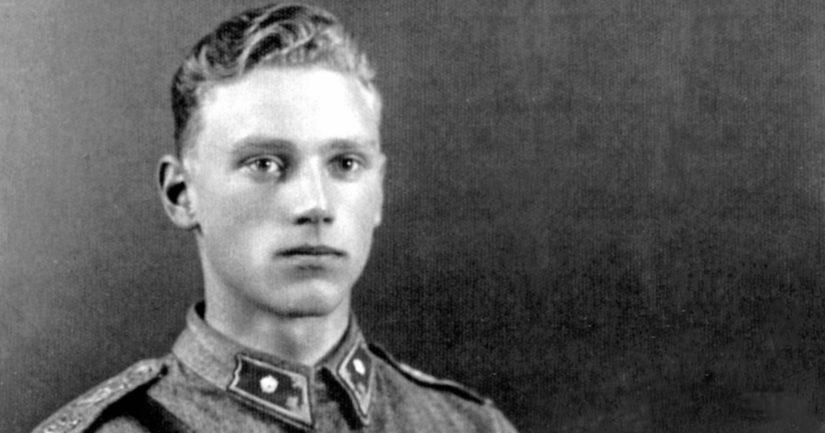 Nuori vänrikki Lauri Törni oli välirauhan aikaan seitsemän viikkoa Saksassa.