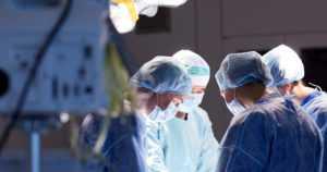 """Potilasvahinkojen määrä kasvoi – """"Terveydenhuollon toimenpiteisiin liittyy aina riskejä"""""""