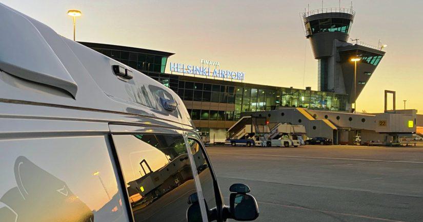 Lentoasemalla kiinniotettu henkilö oli kuljettamassa asiakirjoja Kreikkaan rikoskumppaneilleen.