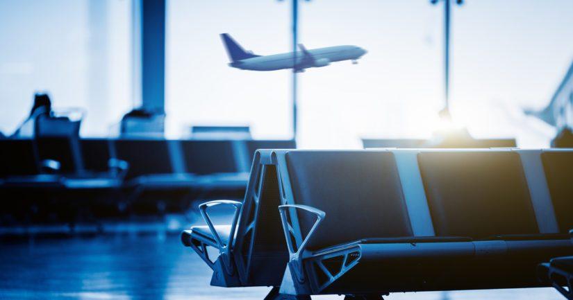 Lennoilta saapuvien henkilöiden määrää rajoitetaan myös lentokenttäbusseissa.
