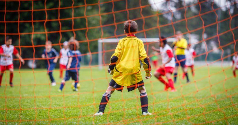 Tutkimukseen kutsuttiin nuoria kymmenestä Suomen suosituimmasta urheilulajista.