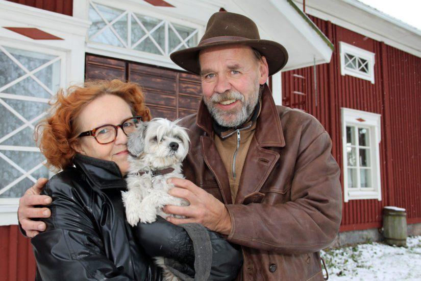 Liisa ja Heikki Laaksonen tekivät unelmistaan totta ja vaihtoivat Espanjan glamourin pohjalaiseen maalaisrauhaan.