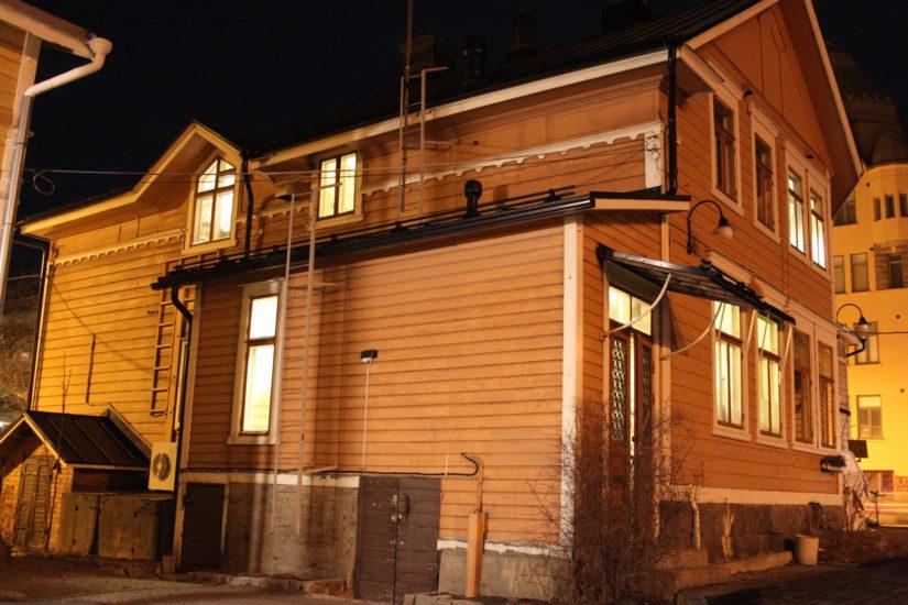 Vaasassa sijaitseva Loftetin kahvihuone ja sen asukkaat kiinnostavat historiaan perehtyneiden aavetutkijoiden lisäksi myös kirjailijoita.