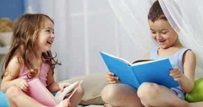 Neuvolassa jaetaan tietoa lapselle lukemisen tärkeydestä – vanhempien rooli on merkittävä