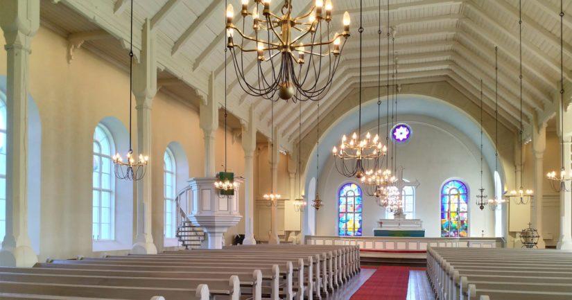 Kirkossa on paljon erikoisia yksityiskohtia ja se on paikkakunnan ylpeyden aihe.
