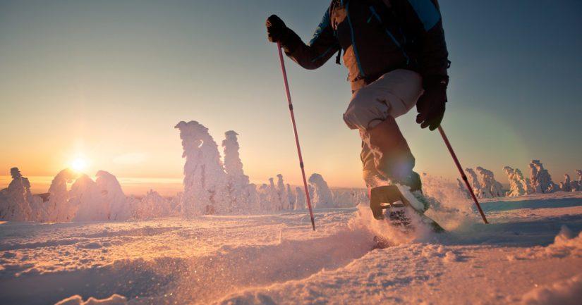 Hyvä lumitilanne Lapissa varmistaa sen, että matkailija saa nauttia perinteisistä talviaktiviteeteista.