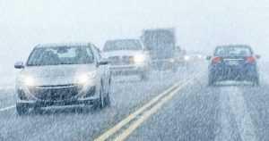 Lumisade hankaloittaa ajokeliä alkuviikosta maan keskiosissa – jopa kymmenien senttien lumikertymiä