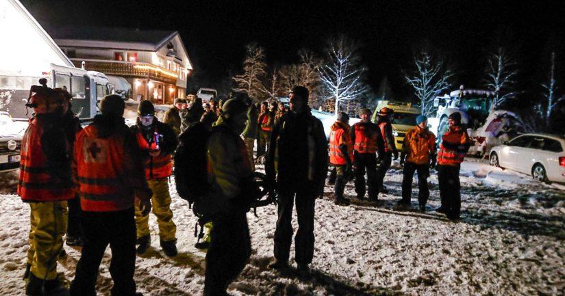 Etsintöihin on osallistunut muun muassa kaksi helikopteria sekä kymmeniä vapaaehtoisia etsijöitä.