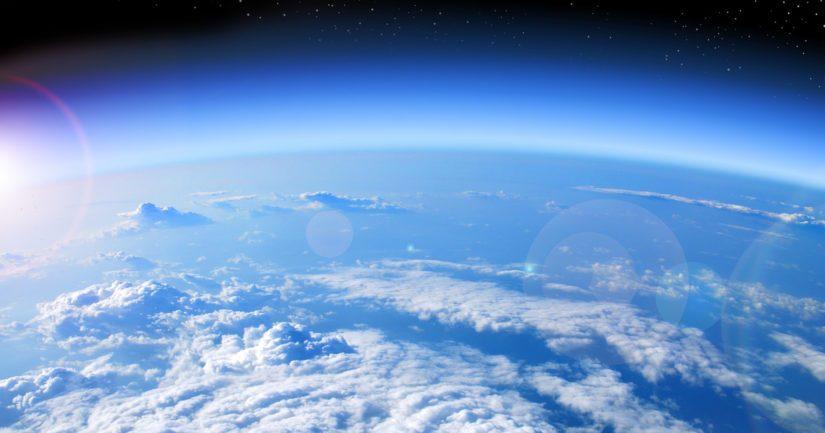 Geoterminen energia on maan sisältä tulevaa lämpöä, jonka on varastoitunut syvälle maankuoreen.