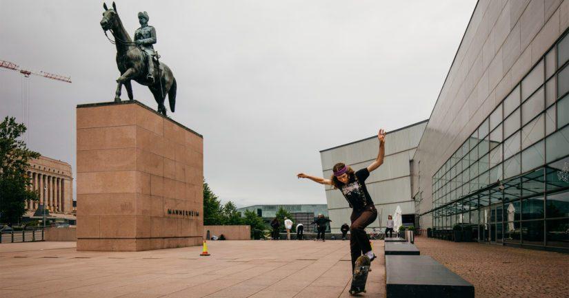 Helsinkiläistä kaupunkiympäristöä vuoden 2019 Wiki Loves Monuments -kilpailun finalistikuvassa.