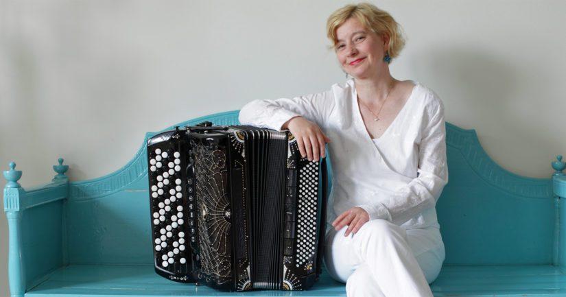 Ruotsin kuninkaallinen musiikkiakatemia on valinnut musiikin valtionpalkinnon saaneen harmonikkataiteilija Maria Kalaniemen jäsenekseen.