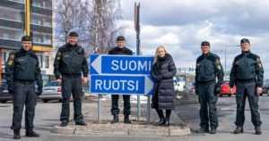 Rajaliikennettä avataan, sillä jokaisella on oikeus lähteä Suomesta – taustalla kantelu oikeuskanslerille