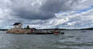 Matkustaja-alus evakuoitiin Airistolla savun johdosta – jäähdytysnestettä oli valunut moottoriin