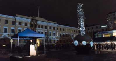 """Talvisodan kansallinen muistomerkki paljastettiin – """"Yksittäinen ihminen paljon suuremman asian välikappaleena"""""""